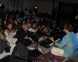 Rahat Fateh Ali Khan Mesmerizes Audiences